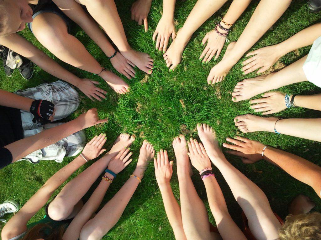 Hände, Zeltlager, Kinder, Gruppe, Freizeit, Checkliste, Kinderfreizeit, Gemeinschaft, Team, Betreuer