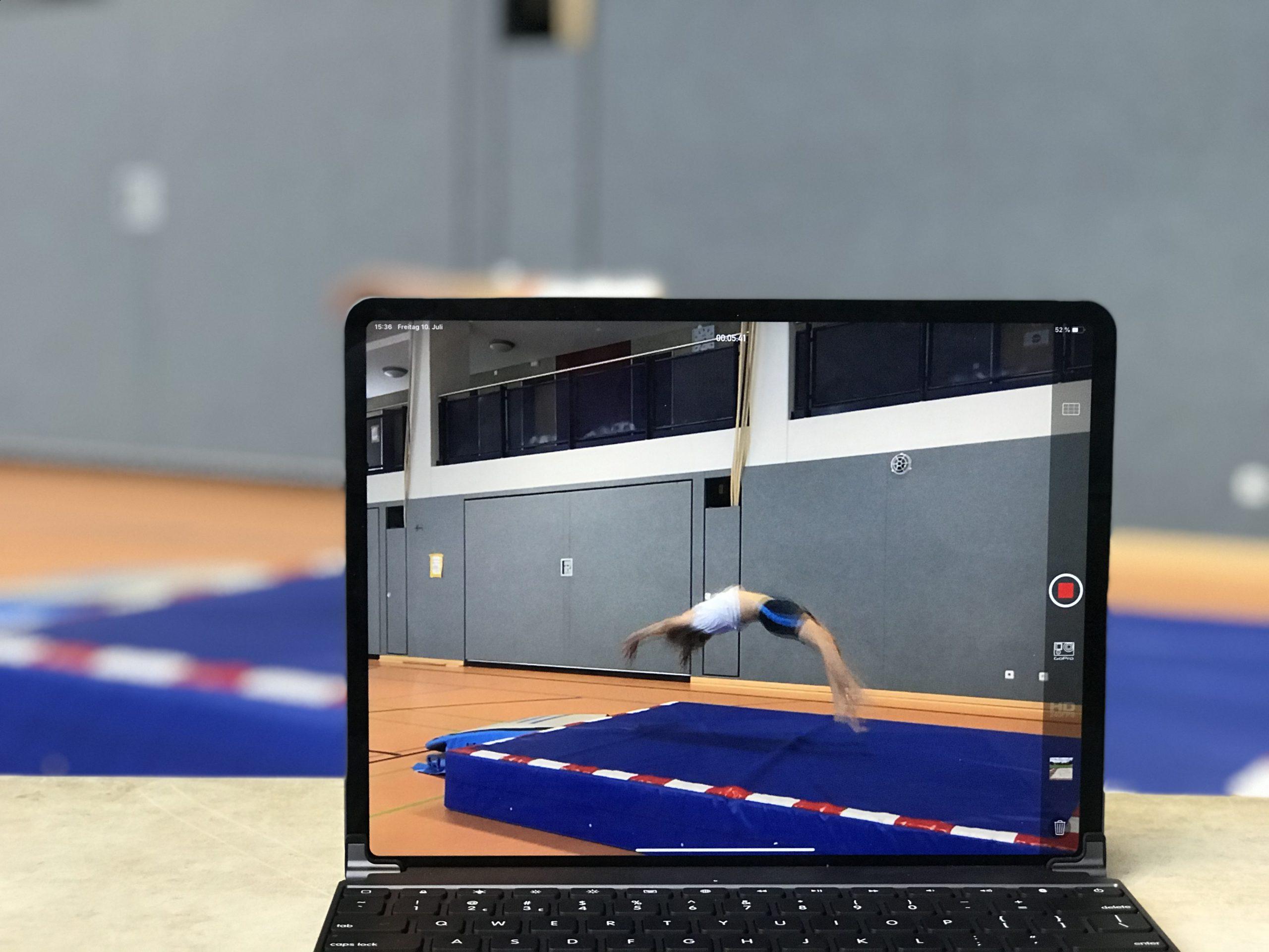 Verbessere die Trainingsqualität durch eine Videoanalyse!
